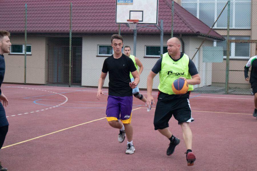 Wakacyjny basket w Winnicy